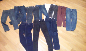 JEANS 12 PAIRES GARAGE, HOLLISTER ET URBAN PLANET