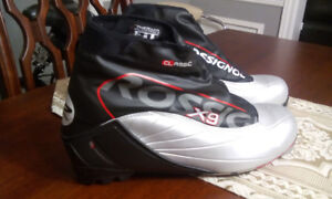 MEC ROSSIGNOL X9 CLASSIC CROSS COUNTRY SKIING BOOTS *NEW*