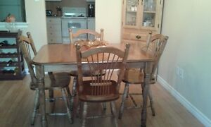 Beautiful solid birch dining room table and chairs