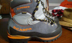 MEC SCARPA SUMMIT GTX MOUNTAINEERING BOOTS EURO42MENS9WOMANS11