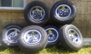 6 Magweel and tire 235/75r15.for 400$ all good