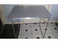 FOLDING TABLE USED IN EXCELLENT CONDITION LIKE NEW