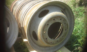 BUILD UR OWN BENCH GRINDER STAND USING THIS TRUCK RIM AS BASE Peterborough Peterborough Area image 7