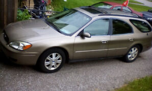 2005 beige Ford Taurus Wagon SEL 3LV6 as is
