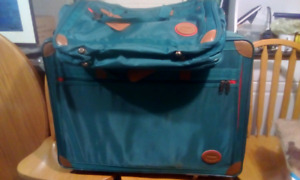 Two-piece suitcase set like new