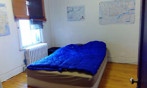 Room available in Vendome September 1