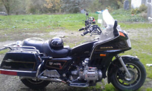 1985 gold wing  1200  runs great currently on the road
