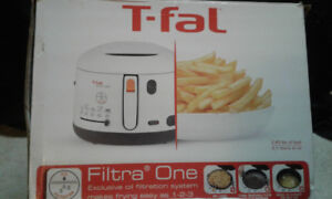 T-Fal Deep fryer **Never used