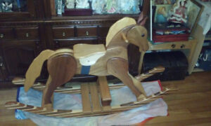 cheval bois antique