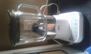 Selling  blender  7 cups $20