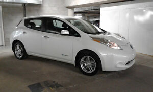 2016 Nissan Leaf S Hatchback ** LOW KMs