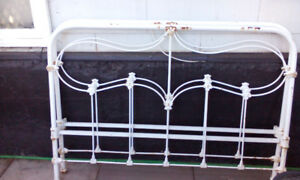 Antique white iron enamel bed (double)