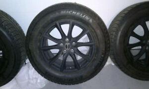 Ensemble de pneus Michelin X Ice 245/65/R17 avec mags RTX Edge