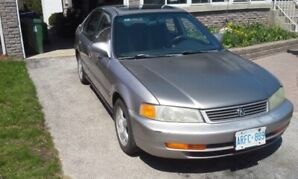 Great first car!! 1997 Acura 1.6 EL for sale as is