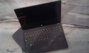Tablette Microsoft Surface RT 64 GB