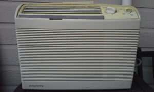 A vendre air climatisee Damby 5200 btu, used 40$