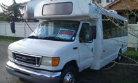 2003 Ford E450  Diesel 7.3 litres  25 places