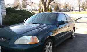 1998 honda civic si manual. $1200 or trade.
