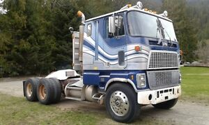 1980 FORD CL9000 Cabover COE semi truck tractor .