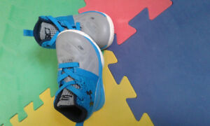 Baby UnderArmour shoes size 4k