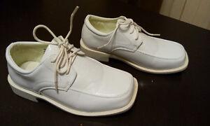 Boys' White Dress Shoes (Size 11-1/2) - Designer by Danuccelli Sarnia Sarnia Area image 2