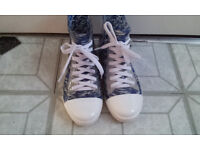 RARE FASHIONABLE LACE UP 'WELLIE' SIZE 36 - USED