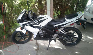 Honda CBR 125 in PERFECT condition; barely used.