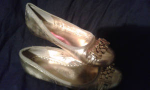 ADORABLE JUICY COUTURES FLATS SIZE 7