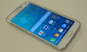 White Samsung Galaxy S5 With 16 GB Memory!Rogers, Fido Or Chatr!