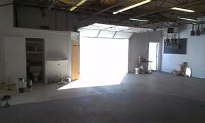 Warehouse, 1125 Sq,ft, 12120 121A St, NW Quick to downtown