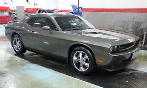 2009 Dodge Challenger SXT, rem. starter, spare tires on rims..