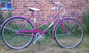 VINTAGE 70's UNIVERSAL 3 SPEED  BICYCLE IN PINK!!!!!