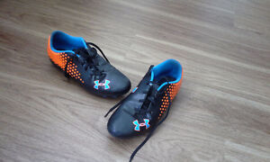Soccer cleats - almost new