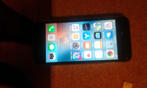I Phone 5s 16unlocked in mint condition no Socrates or anything