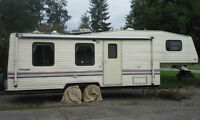 1991 Prowler 5th Wheel 26.5 ft