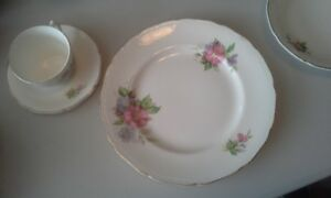 8 place setting Royal Swan Fine China