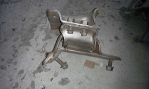 PAIR OF ENGINE MOUNTS for 2005 FORD E450 & E350
