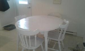 set de cuisine table et chaises