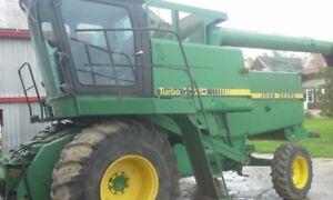 John Deere 7720 combine