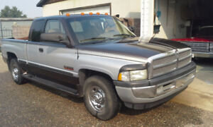 1998 Dodge Other Pickups 2500 SLT Pickup Truck