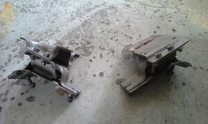 PAIR OF ENGINE MOUNTS for 2005 FORD E450 & E350 Peterborough Peterborough Area image 7