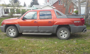 2002 Chevrolet Avalanche Pickup Truck
