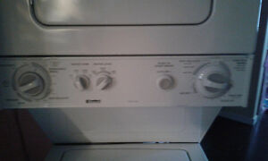 Top and bottom washer and dryer