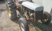 1955 FERGUSON TEA 20 TRACTOR. SELL AS WHOLE OR PARTS