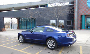 Ford Mustang Coupe v6 Premium 2013 FULL WARRANTY until 2019