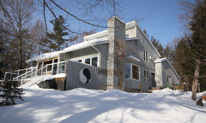 Vacation Rental or Bed and Breakfast property Calabogie