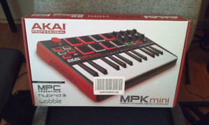 Akai Professionnal MPK MINI +  mini case