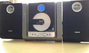 CD Player (Phillips) with detachable speakers