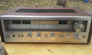 Vintage 1978 Metal Face Wood Cabinet Pioneer SX 680 receiver