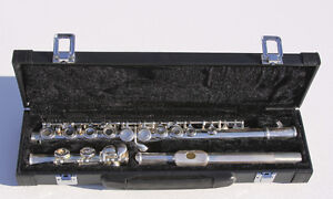 Brand new silver-plated 16 Closed Holes C Key Flute/ wooden case